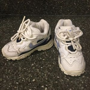 Nike Play White Navy Blue Sneakers Size 5.5c